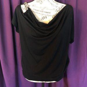 Black one shoulder chain shirt